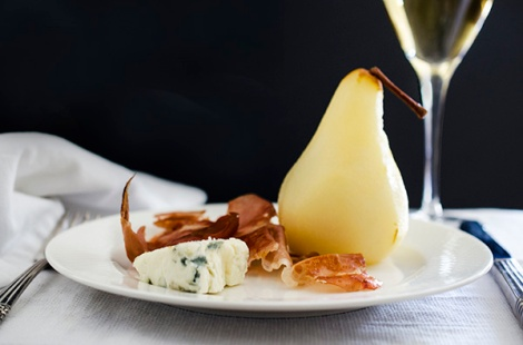 Poached pears with crispy prosciutto and gorgonzola